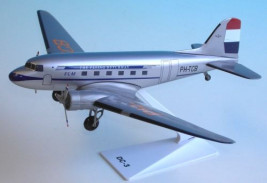 1:100 Douglas DC-3, KLM Royal Dutch Airlines, 1950s Colors (Snap-Fit)
