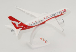 1:200 Boeing 787-9, Qantas Airways, 100th Anniversary Colors (Snap-Fit)